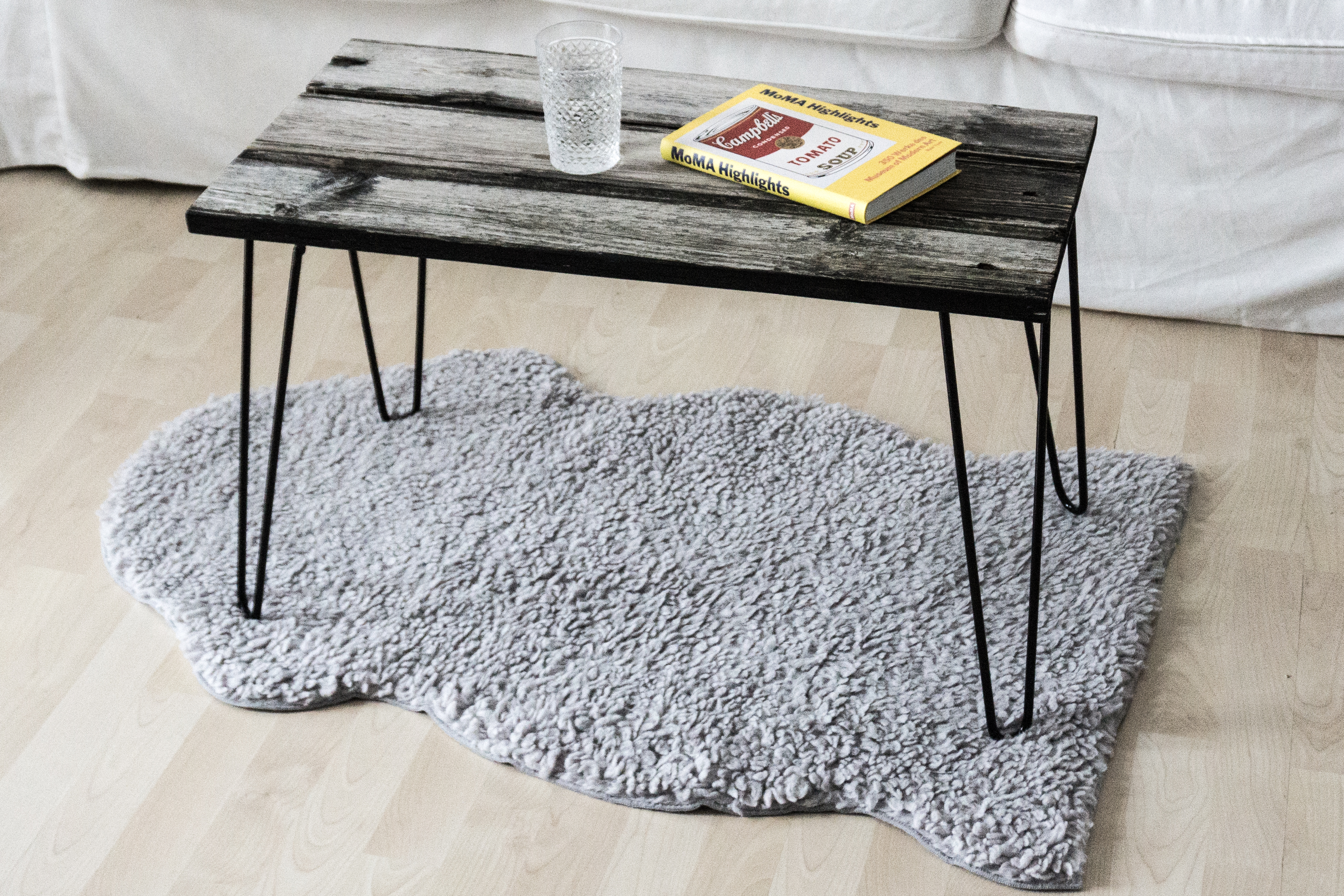 let 39 s upcycle altholz couchtisch selber bauen. Black Bedroom Furniture Sets. Home Design Ideas