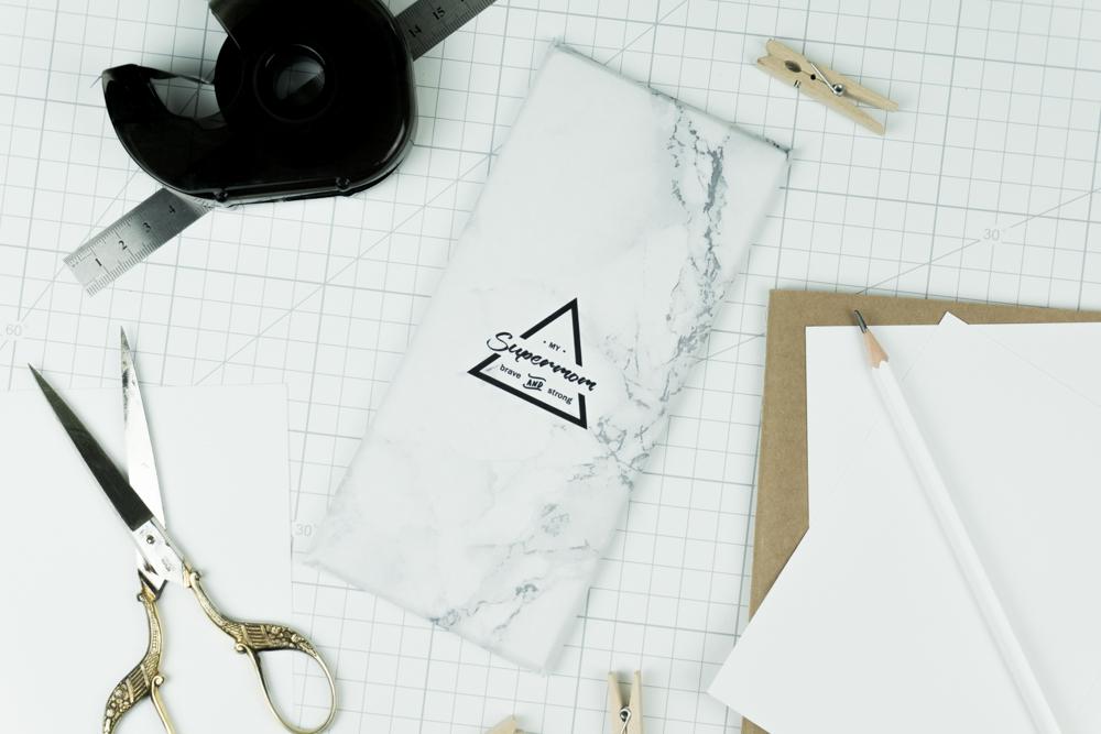 muttertagsgeschenk selber machen schereleimpapier diy. Black Bedroom Furniture Sets. Home Design Ideas