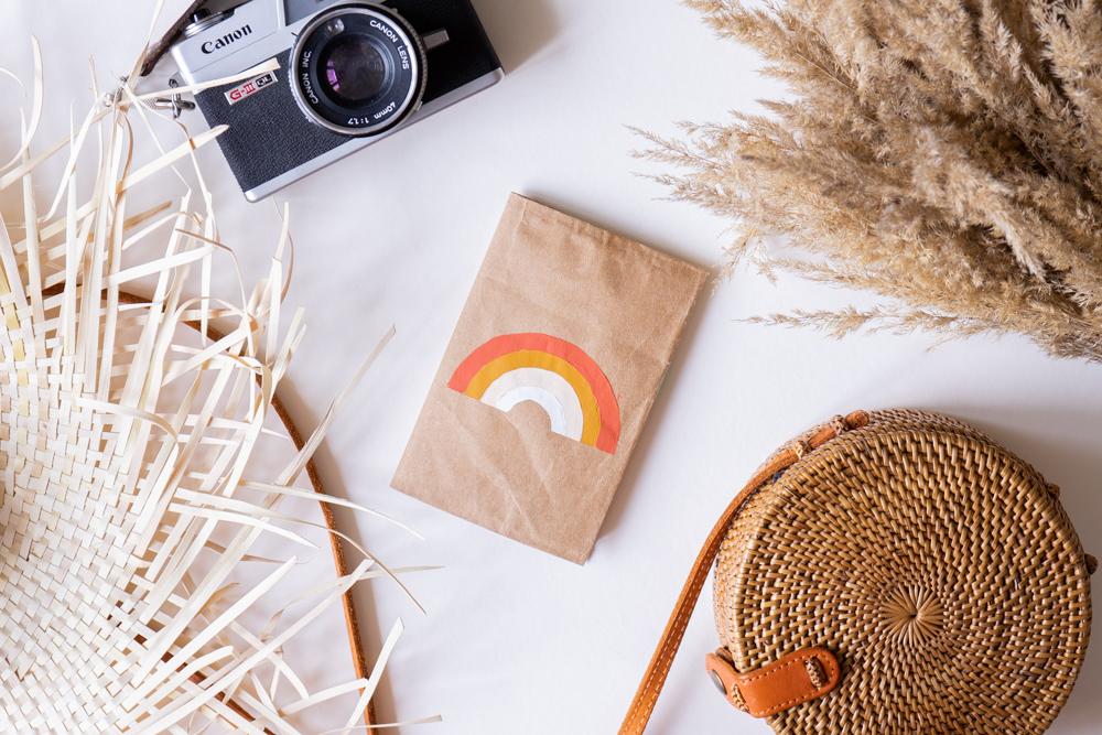 Reisepasshülle selber machen DIY Upcycling mit Altpapier schereleimpapier DIY und Upcycling Blog aus Berlin - kreative Tutorials für DIY Geschenke, DIY Möbel und DIY Deko zum Basteln